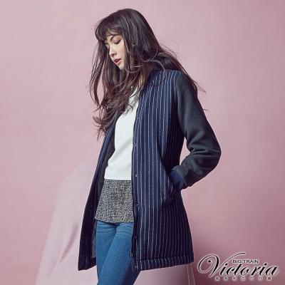 Victoria 毛呢異材質拼接長版外套-女-深藍直條