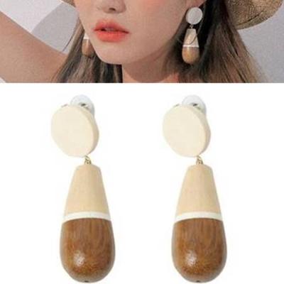 梨花HaNA 韓國最時髦木質水滴自然風格耳環乳白色