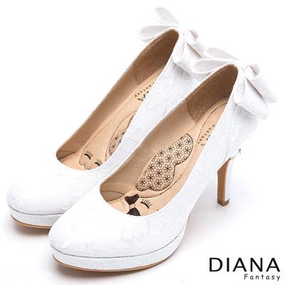 DIANA-漫步雲端LADY款-浪漫蕾絲晚宴跟鞋-白