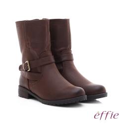 effie 混搭美型 仿麂皮絨布防潑水中筒靴 深咖啡色