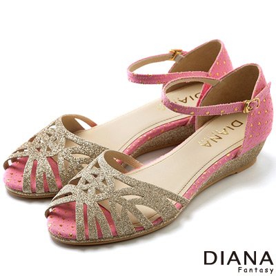 DIANA-豔夏星空-璀璨星星線條圖騰楔型涼鞋-粉