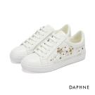 達芙妮DAPHNE 休閒鞋-立體花朵繫帶平底休閒鞋-白