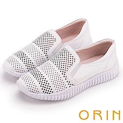 ORIN 引出度假氣氛 牛皮幾何簍空平底便鞋-白色