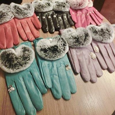 ArFFi-艾菲-韓系東大門名媛花鑽系兔毛奢華綿羊皮手套-甜粉花鑽