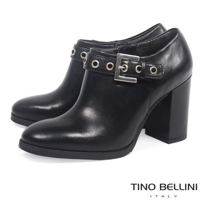 Tino Bellini 帥勁釦帶高跟踝靴_ 黑