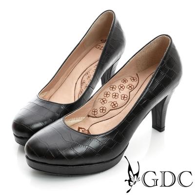 GDC都會-鱷魚紋加高防水台真皮中跟鞋-黑色