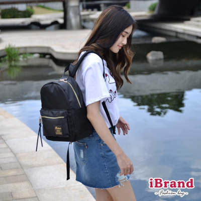 iBrand 韓系輕時尚口袋尼龍後背包(小)-黑