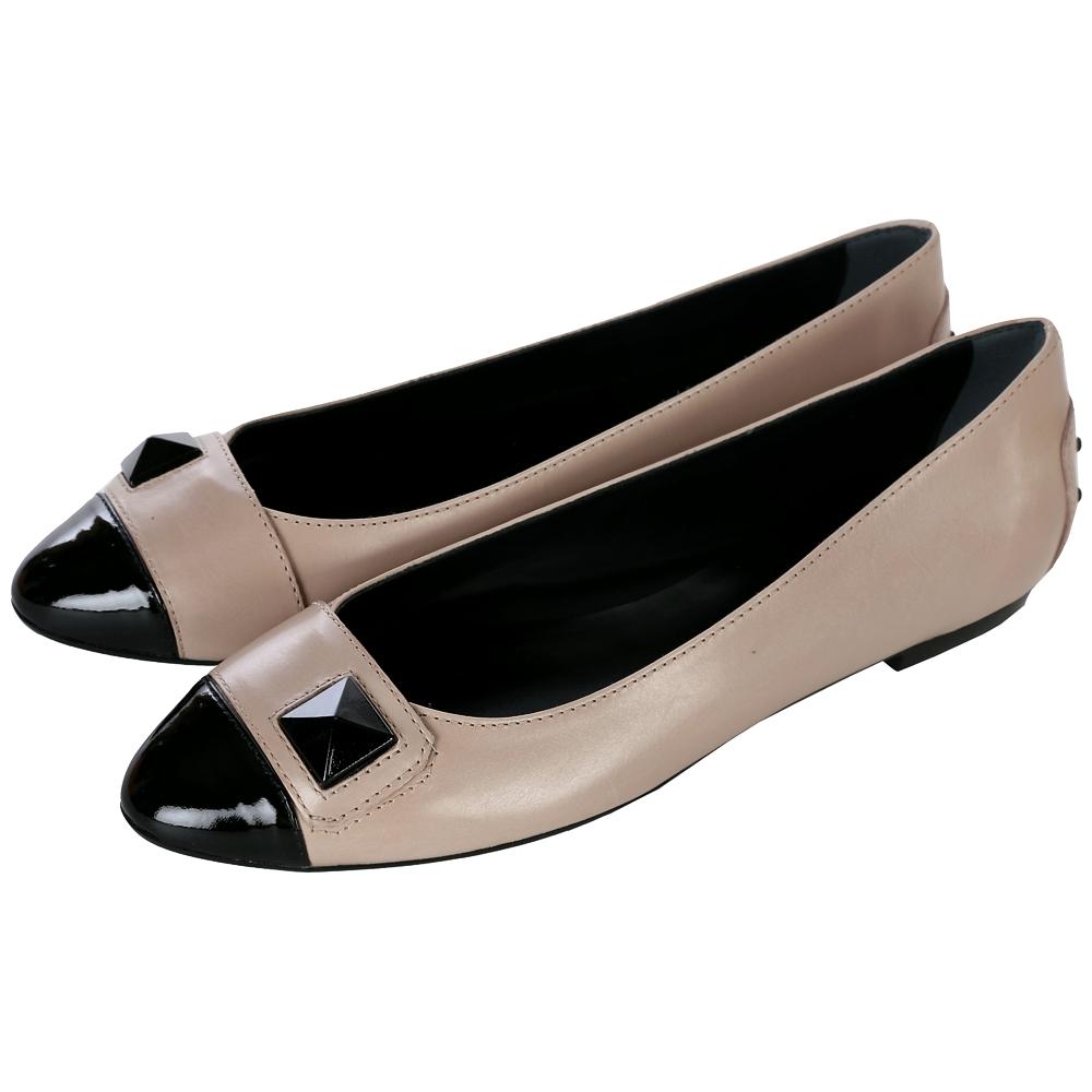 TOD'S 雙色拼接鉚釘平底娃娃鞋(黑/駝色)