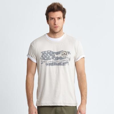 Jeep 斑駁國旗圖騰T恤-象牙白