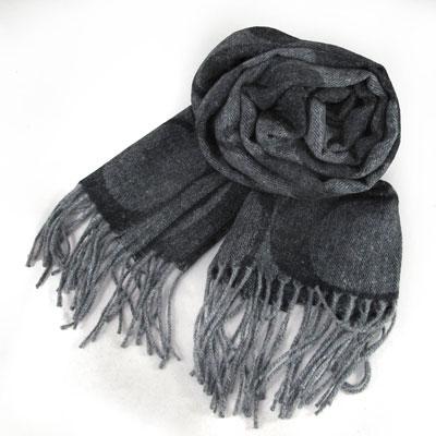 COACH 大C Logo羊毛混兔毛絲絨義大利製保暖長圍巾(黑灰色)