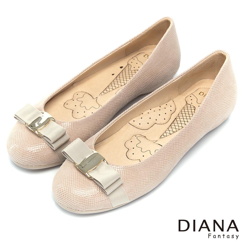 DIANA 超厚切冰淇淋款--甜漾蝴蝶結格紋真皮平底鞋-米