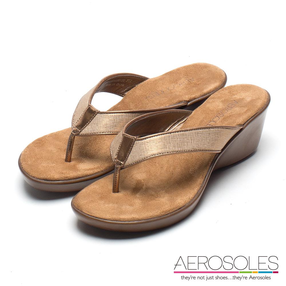 AEROSOLES 休閒時尚趣寬版交叉繫帶夾腳涼鞋-氣質金色