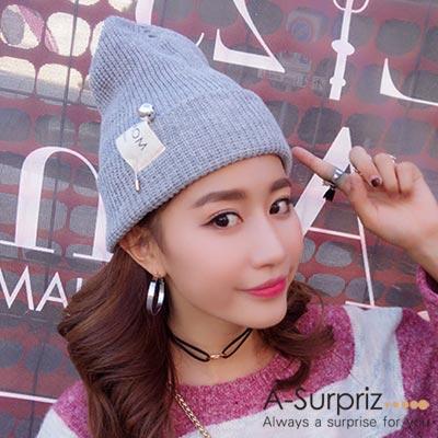 A-Surpriz 時尚素色銀球針徽章毛線帽(灰)