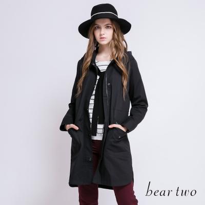 beartwo 金屬釘釦刺繡連帽風衣外套(二色)