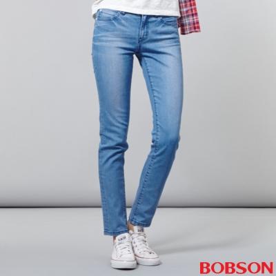 BOBSON-女款低腰後袋刺繡小直筒褲