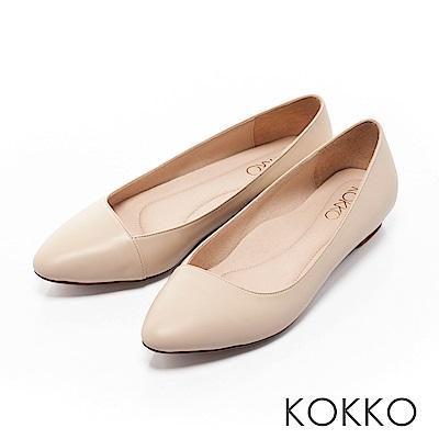 KOKKO - 大城小愛真皮尖頭斜口平底鞋-曖昧杏
