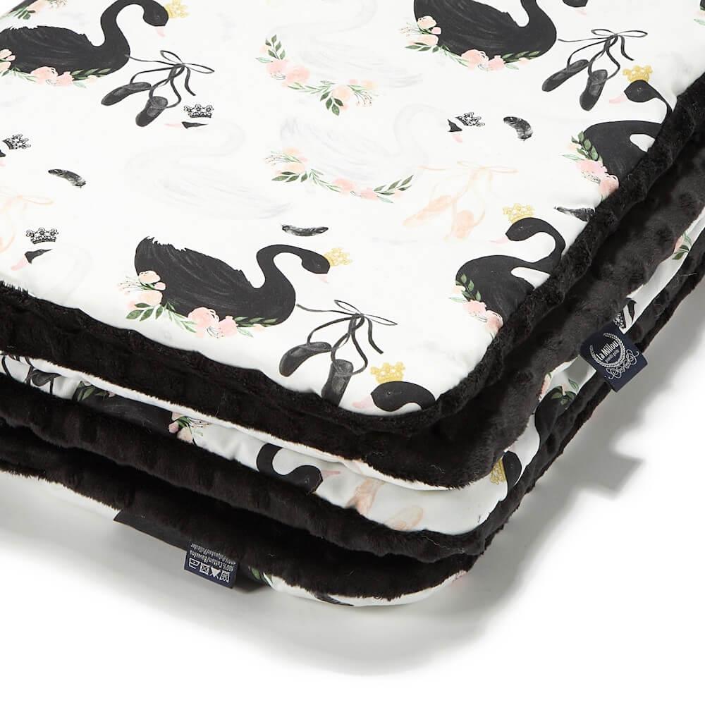 La Millou 暖膚豆豆毯(加大款)嬰兒毯寶寶被毯-芭蕾舞天鵝(法蘭黑炫風)