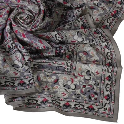 Christian Dior 羅曼式雕花圖紋大領巾-灰色