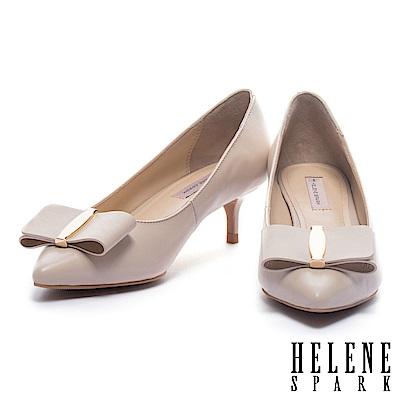 高跟鞋 HELENE SPARK 氣質名媛風金飾蝴蝶結羊皮尖頭高跟鞋-米