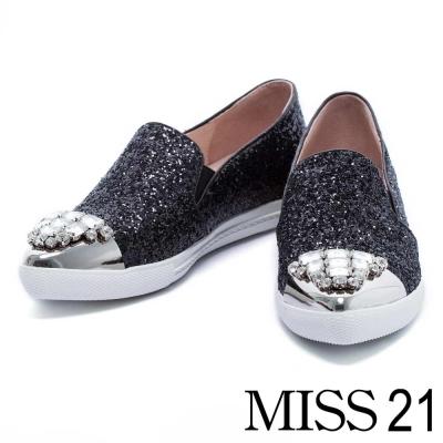 休閒鞋 MISS 21 奢華金屬白鑽飾片尖頭休閒鞋-黑