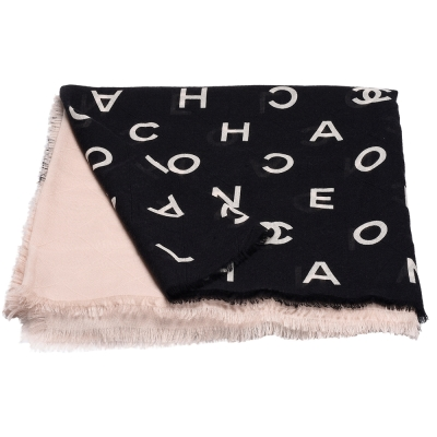CHANEL 經典雙C LOGO字母印花菱格紋羊絨混絲披/圍巾(黑X駝)