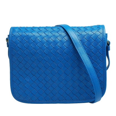BOTTEGA VENETA 經典編織小羊皮翻蓋式小方包(寶藍色)