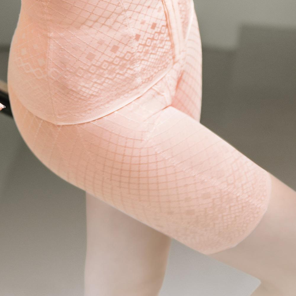 華歌爾-極塑衣美背減壓64-82舒壓褲(蜜粉橘)