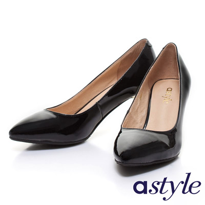 astyle-金屬跟亮面漆皮尖頭高跟鞋-黑