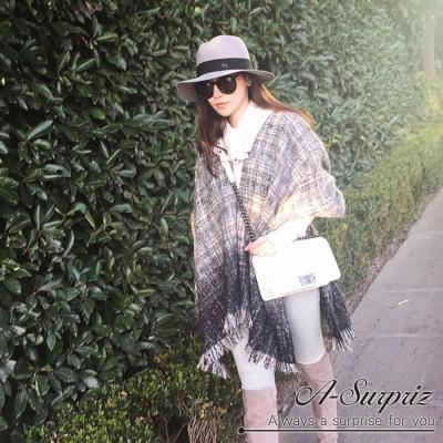A-Surpriz 厚毛織混色格紋加寬披肩(灰黑)