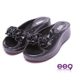 【ee9】都會優雅~耀眼手工花朵鑲鑽內增高平底拖鞋*黑色