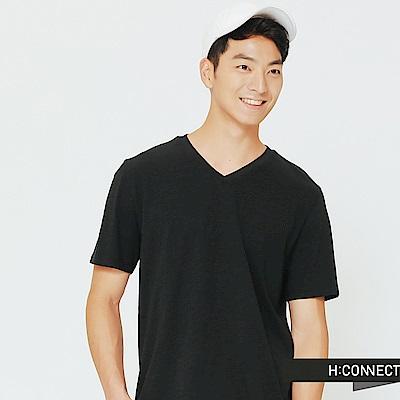 H:CONNECT 韓國品牌 男裝-舒適感小V領上衣-黑
