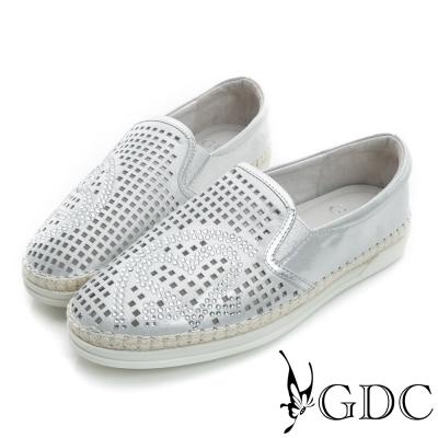 GDC-舒適方形沖孔愛心水鑽真皮懶人休閒鞋-銀色