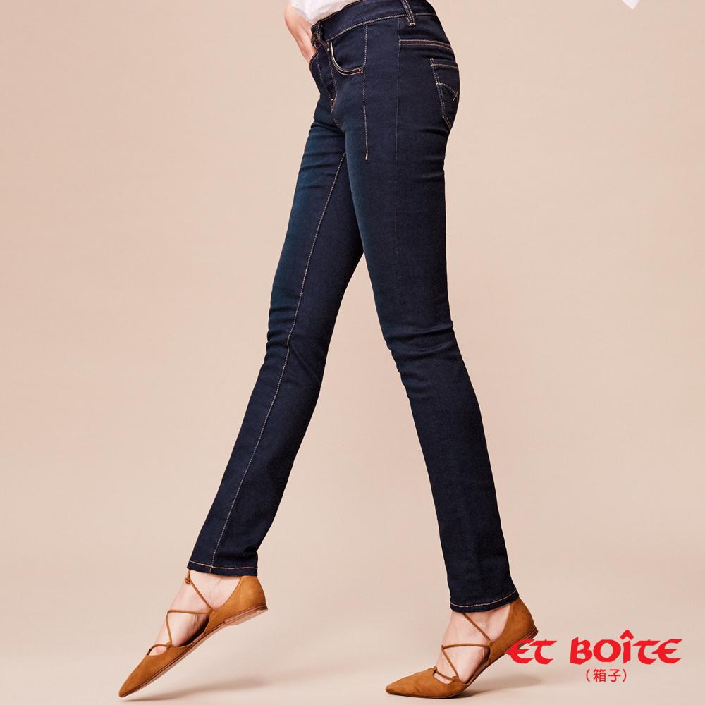 ETBOITE 箱子 BLUE WAY 全方位美型計畫-魔力骨感美線中腰窄直褲-深藍
