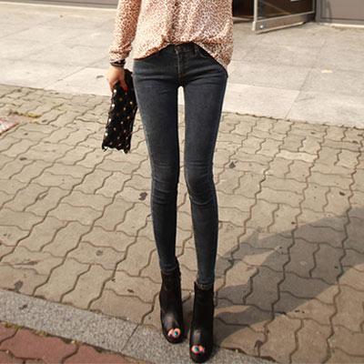 正韓 纖細比例顯瘦貼腿單寧褲 (黑色)-N.C21