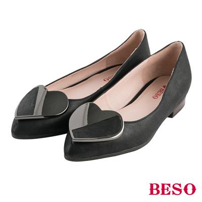 BESO都會甜心 愛心飾釦全真皮平底鞋~黑
