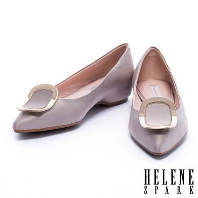 平底鞋 HELENE SPARK 質感弧形金屬方釦緞布尖頭平底鞋-可可