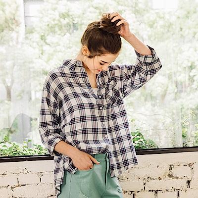CACO-軟棉格紋舒適襯衫(兩色)-女【PSH092】