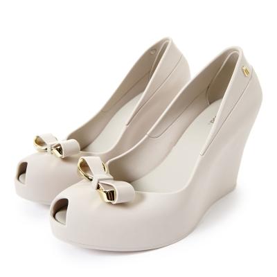 MELISSA-金屬夢幻蝴蝶結楔型魚口鞋-米白