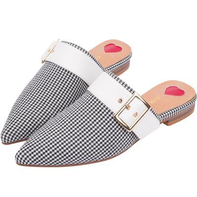 AIR SPACE 黑白格扣環造型尖頭平底鞋(黑白格)