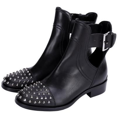 miu miu 鉚釘設計皮條釦帶短靴(黑色)