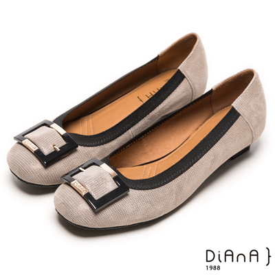 DIANA 典雅格調--簡約知性方釦滾邊壓紋真皮跟鞋-灰