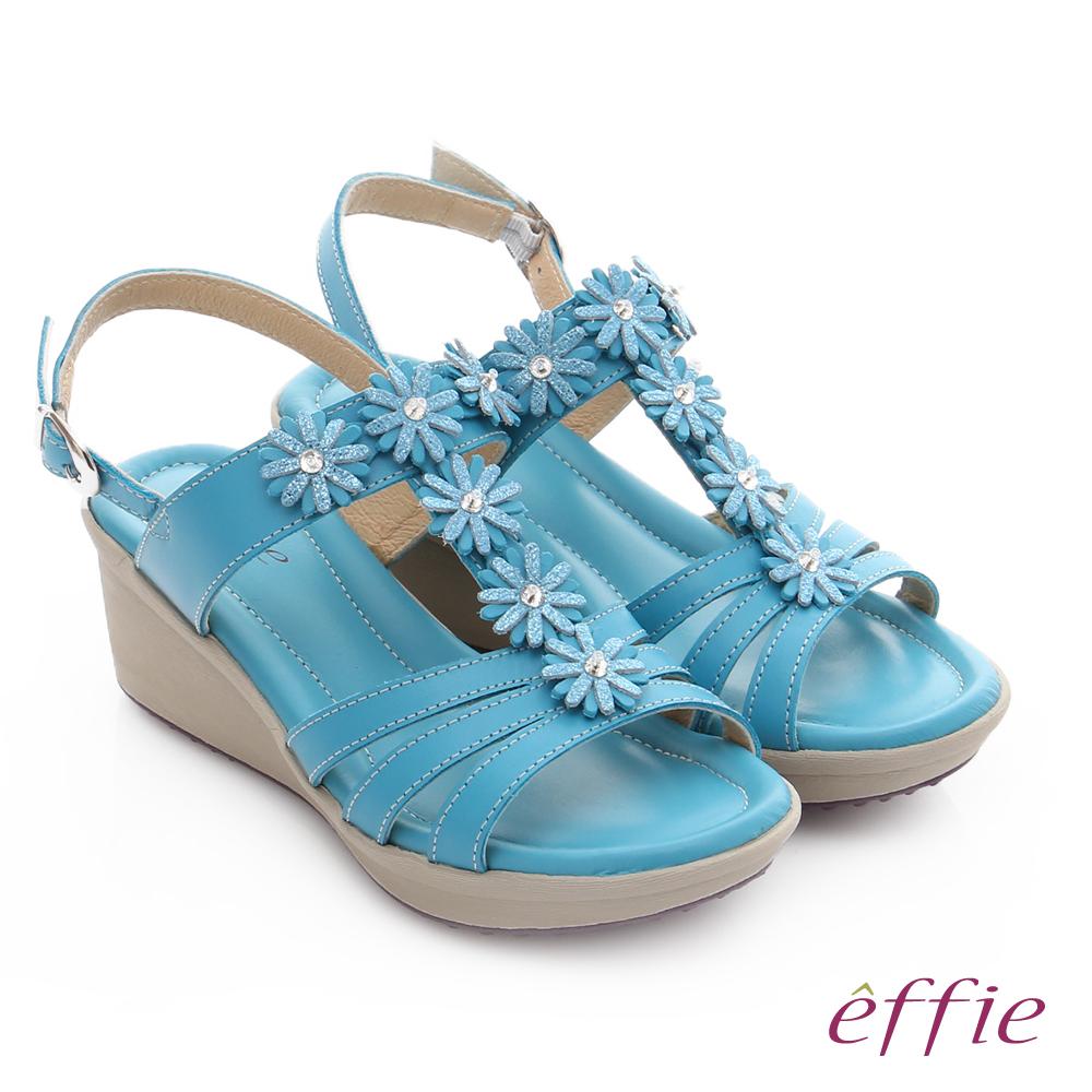 effie 趣踏輕 真皮拼接水鑽花朵楔型涼鞋 藍色