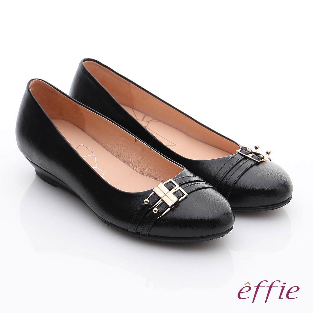 effie 繽紛舒適 羊皮金屬雙條帶楔型低跟鞋 黑