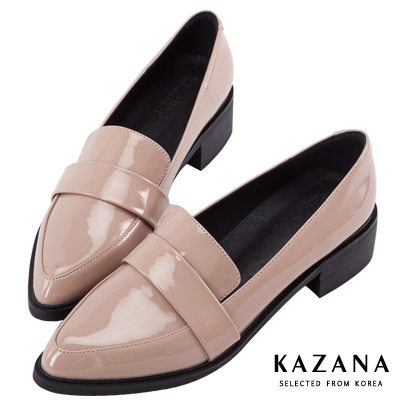 KAZANA-漆皮尖頭粗跟樂福鞋 杏