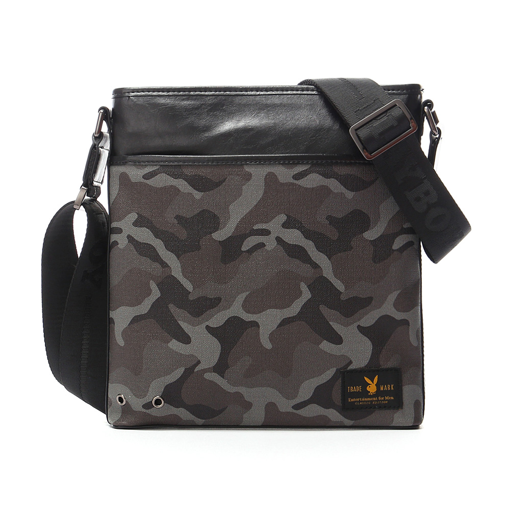 PLAYBOY- Camouflage 越野迷彩兔系列 直式斜背包-迷彩黑