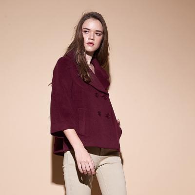 Chaber巧帛 暖時尚羊毛翻領雙排釦寬袖斗篷式造型外套-紅