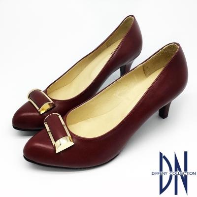 DN-低調優雅-魅力金屬飾扣尖頭跟鞋-紅