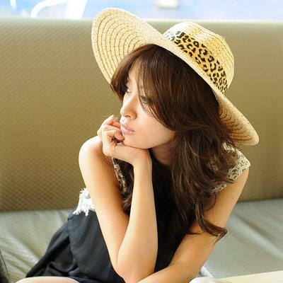 【Aimee Toff】豹紋絲緞質感抗曬遮陽帽(棕)