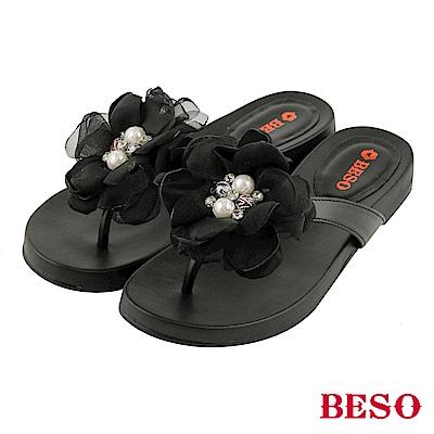 BESO-盛夏綻放-山茶花珍珠真皮夾腳涼拖鞋-黑