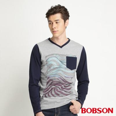 BOBSON 男款合身版印圖長袖上衣(灰83)